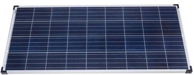 Histoire d'un système d'énergie solaire DIY dans une cour arrière.
